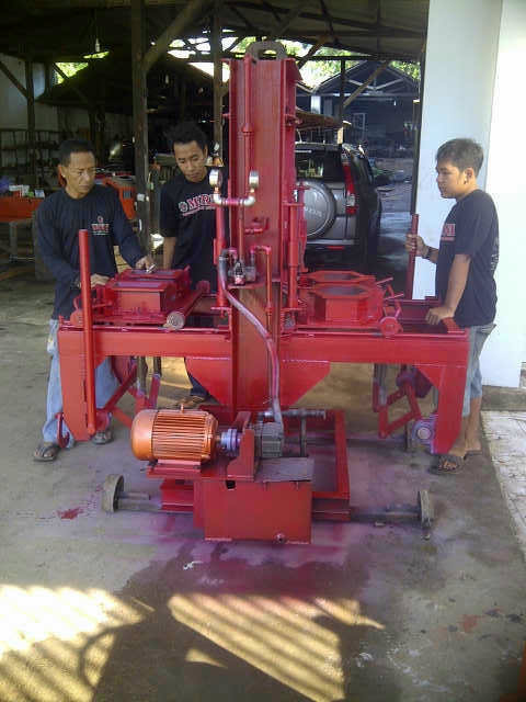 Mesin Hydraulis Paving, ...